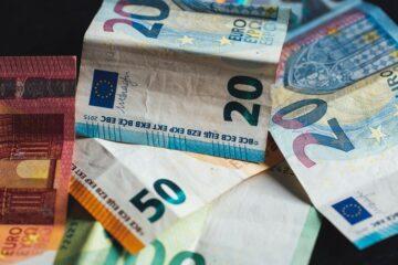 В еврозоне более 70% подделок составляли банкноты 20 и 50 евро