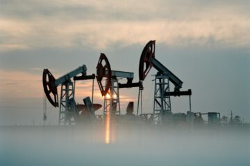 Ниже $31 за баррель: цена нефти Brent откатилась до уровня 2016 года