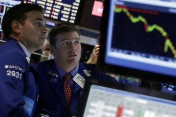 Биржевые рынки упали после снижения ставки ФРС