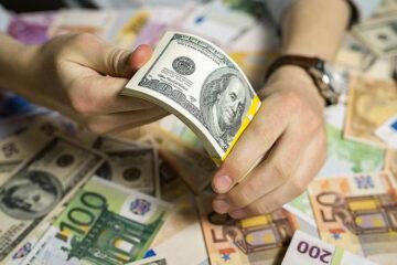 Доллар «потерял лицо» на межбанке, евро потерпел фиаско