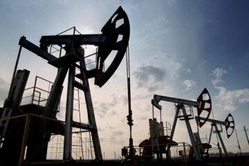 Цены на нефть продолжают сыпаться: стоимость WTI «просела» ниже $40