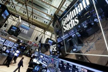 Новая волна COVID-19 ударила по биржам США и АТР: индексы устремились вниз