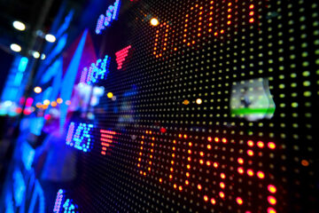 Индекс S&P 500 рухнул после роста в течение семи сессий: данные торгов