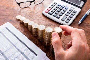 Ставки по депозитам совсем низкие. Говорят, можно открыть накопительный счет. Чем он отличается от вклада?