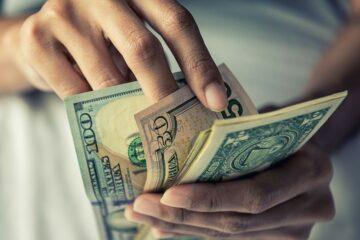 Валютный риск для банков достиг рекордного уровня
