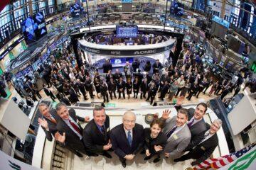 Биржи США рванули вверх после падения накануне: итоги торгов