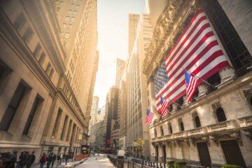 Биржи США закрылись в плюсе: S&P 500 и Nasdaq вновь обновили рекорды