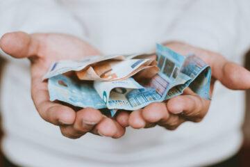 Найсильніші та найслабші валюти світу: підсумки 2020 року