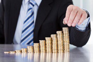 Ставки по депозитам снизились в 2 раза: обзор за январь