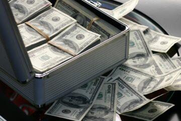 Доллар отреагировал на свежий инфляционный отчет: сколько стоит USD