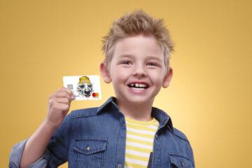Дрібні витрати: ТОП-5 банківських карток для дітей